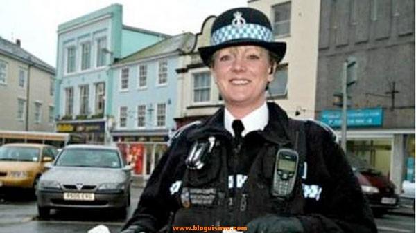 mujer policia se suicida
