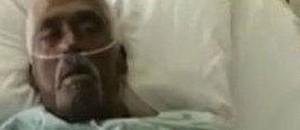 Un hombre muerto revivie en una funeraria
