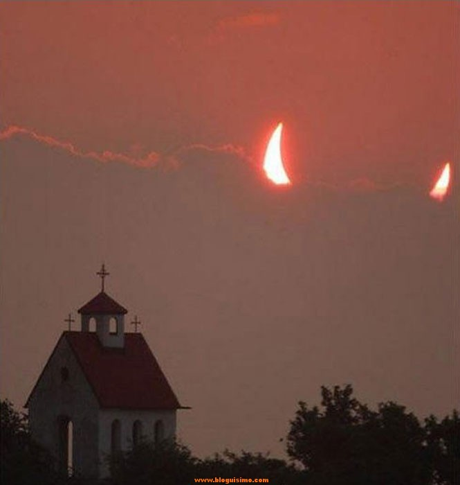 eclipse-devil-horns-church-perfect-timing