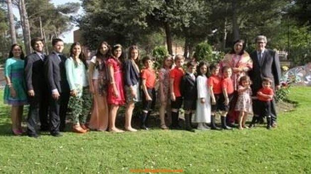 familia-hijos-escolarizados-Espana_