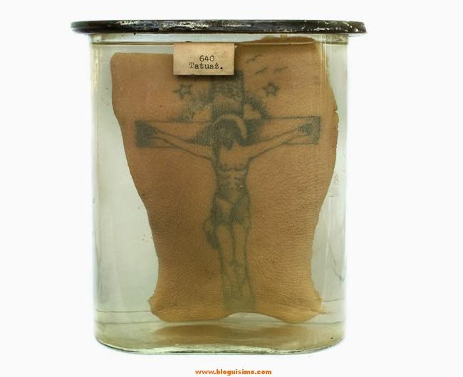 15-tatuajes-de-presos-conservados-en-formol14