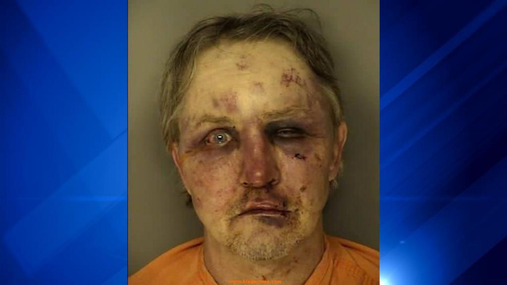 Así terminó un violador al recibir una paliza del novio de la víctima