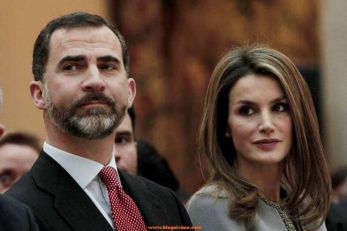 El Rey de España se baja el sueldo