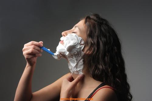 Llega la moda del afeitado femenino