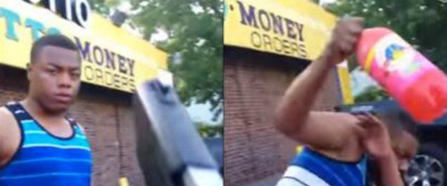 Apunta con una pistola a un hombre negro porque cree que es gay